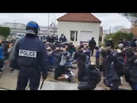 Nueva polémica en Francia: policías obligaron a estudiantes a arrodillarse