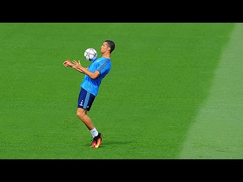 Cristiano Ronaldo ● Skills, Tricks, Freestyle in Training