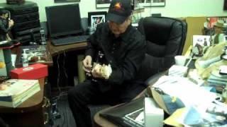 MV-Behind the Scene-James Burton-The Wizard..just pickin