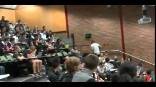 Student accidently blasts porn OUT LOUD during lecture