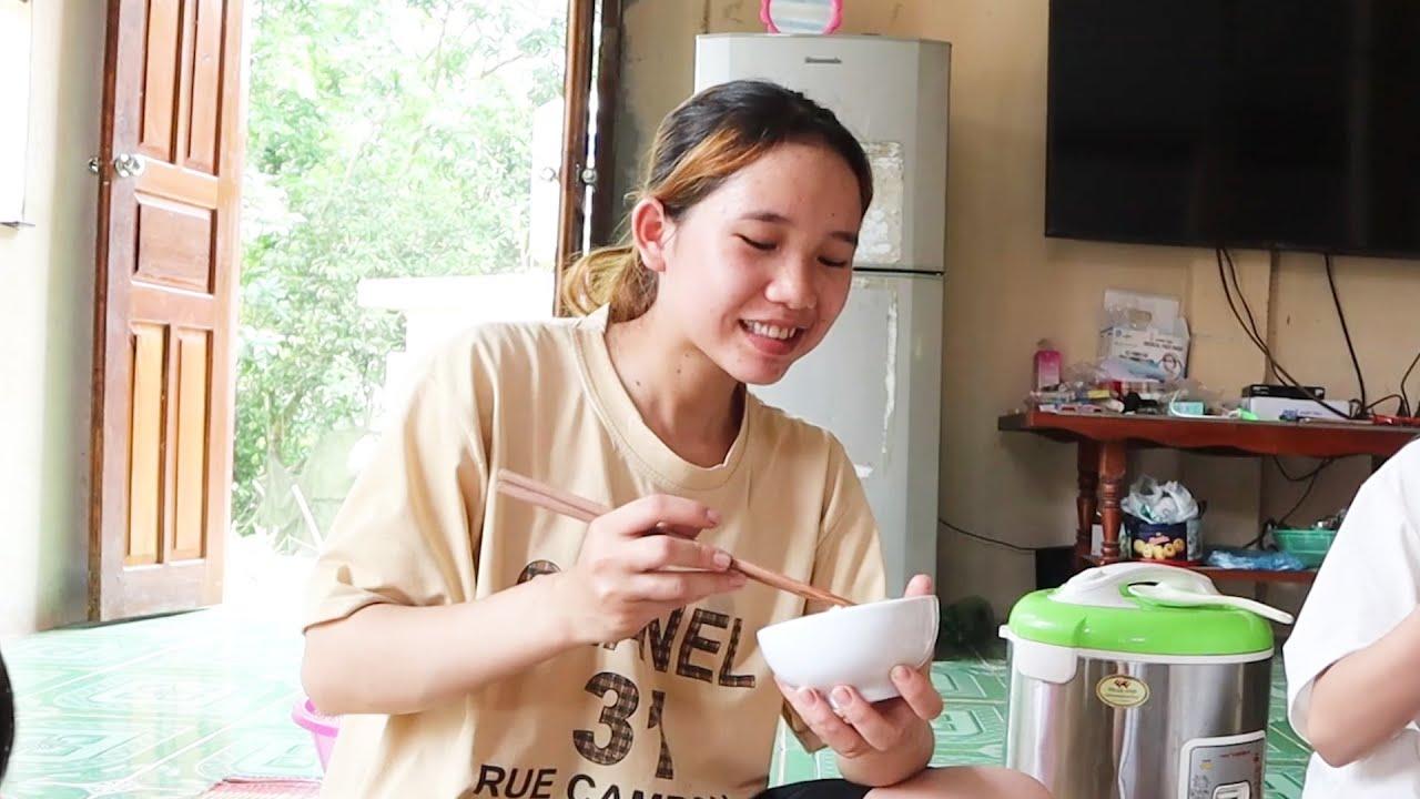 Món ăn đậm đà hương vị miền núi - Bữa cơm giúp nhà A Mạnh dỡ bếp