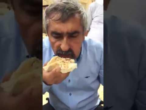 Yemek yeme rekoru...Dokuz kişilik yemeği on dakikada yiyen adam...(RUMKOCA KÖYÜ)