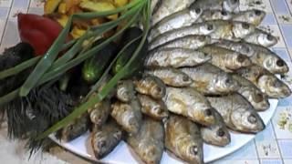 Вкусная , жареная на сливочном масле, мелкая рыбешка.