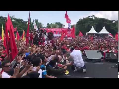Lautan Massa di Lapangan Blambangan Banyuwangi Sambut Jokowi