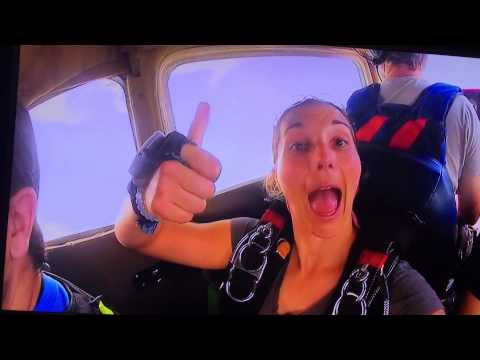 Mario Tarquinio sky diving 10,000 ft out of airplane video