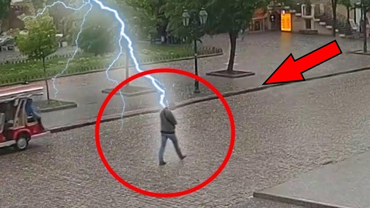 15 Incredible Lightning Strikes Caught on Camera