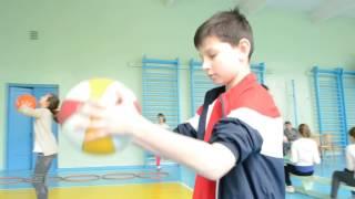 Открытый урок по физкультуре в спортзале
