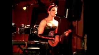 Do You Swear to Tell the Truth - Amanda Palmer & The Grand Theft Orchestra (Roter Salon Berlin)