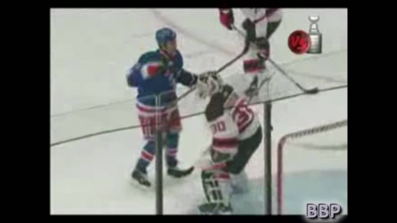 New York Rangers Who Is Sean Avery Brodeur Knows Avery Youtube