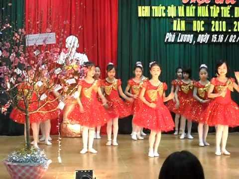 Vũ điệu chachacha của HS trường Tiểu học Giang Tiên- PL- TN.flv