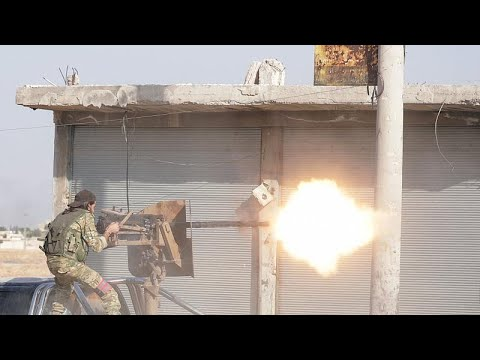 شاهد: لحظة وصول قوات النظام السوري إلى بلدة تل تمر بالقرب من الحدود السورية التركية …  - نشر قبل 3 ساعة