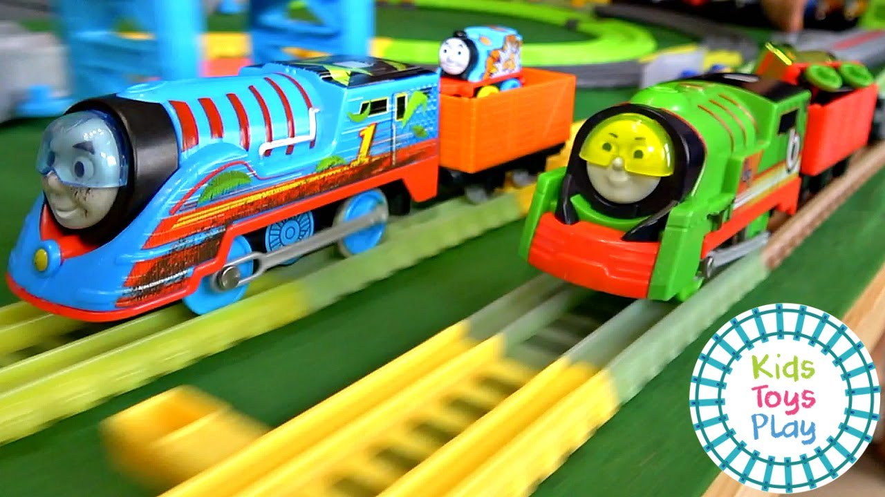 Thomas and Friends Turbo Speed Engine Train Races Minis Madness