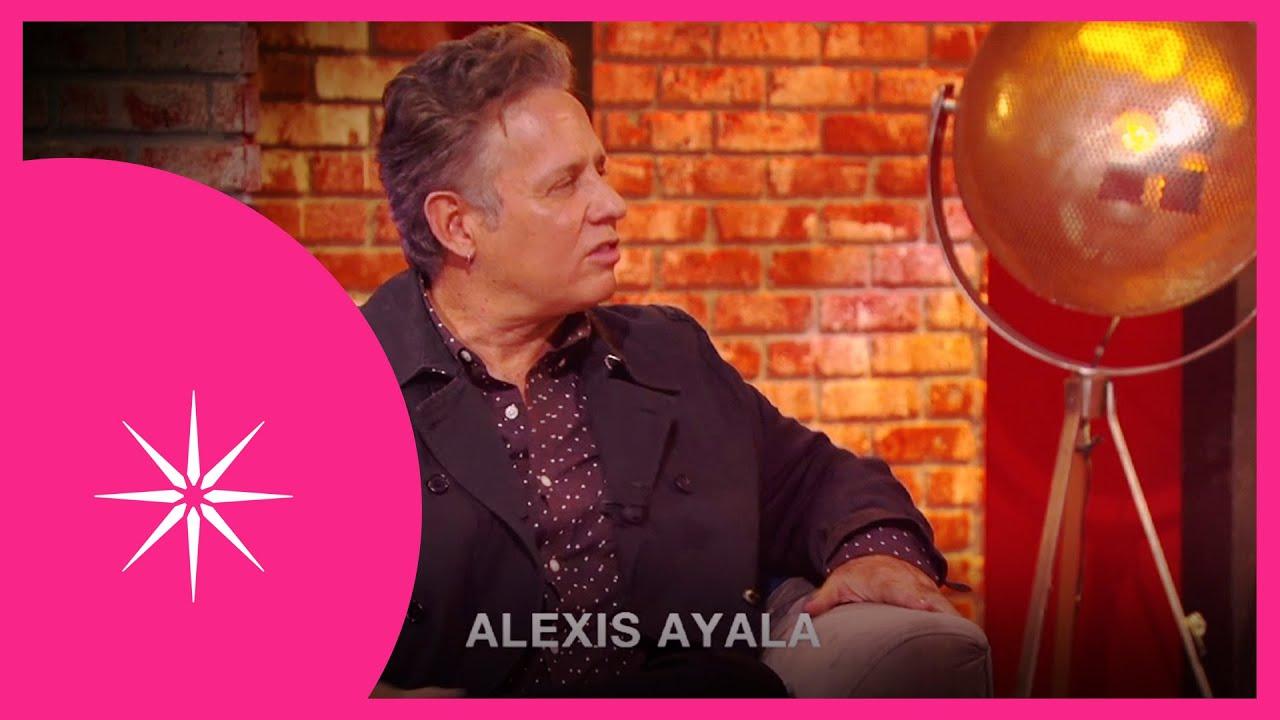 Más noche: ¿Alexis Ayala saldrá del closet?   Este sábado, 11:00 PM #ConLasEstrellas