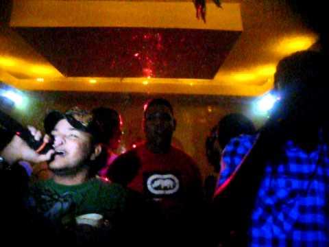 RCC Y LA MANTA -en la discoteca otro flow (es k soy un cuero)WWW Dominicansound com