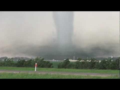 Massive F5 Tornado