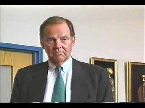 Bob Dacy questions 911 chief,  Thomas Kean, on WTC7
