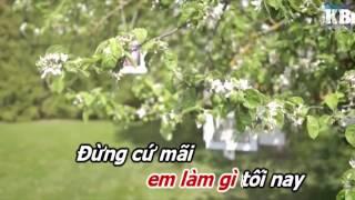 [Karaoke HD] Em Làm Gì Tối Nay - Khắc Việt