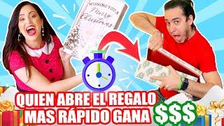 QUIEN ABRE EL REGALO MAS RAPIDO GANA DINERO! 😂 COMPETENCIA Navidad en Familia 🎁 Sandra Cires Art