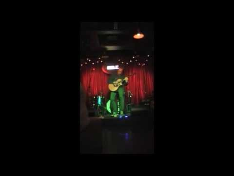 Paul O' Neill performing Titanium live in Sin É Pub Dublin 02/05/2015