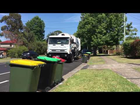 Garbage Collection Garbage Truck videos for Children: Garbage bin Trucks for kids crushing rubbish 2