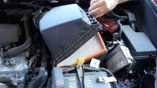 How to replace engine air filter in Toyota RAV4