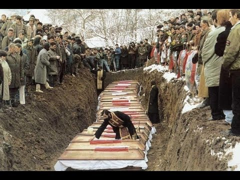 Mass burial of Serbian victims from around Srebrenica