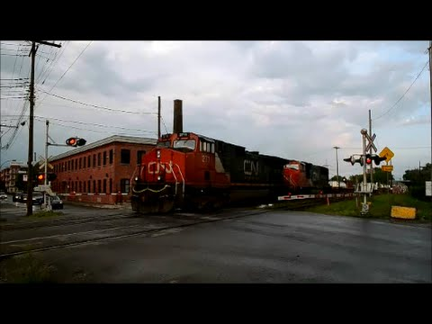 2 CN FREIGHT TRAINS IN MONTREAL ACTION