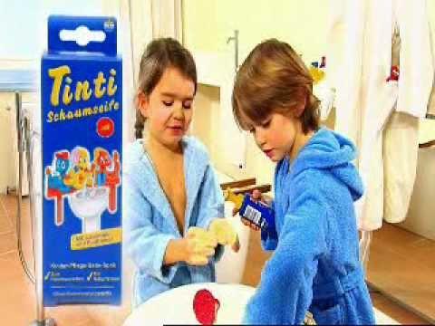 Tinti Badespass und Kinder strahlen vor Freude