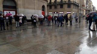 Concentracíon de hosteleros en Pamplona en protesta por el cierre del sector en Navarra