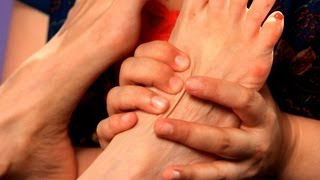 How to Work the Top of the Foot | Reflexology