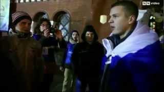 В Минске едва не избили парня с флагом России