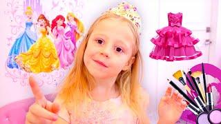 Nastya cầu xin cha cô cho váy mới và đồ chơi trang điểm