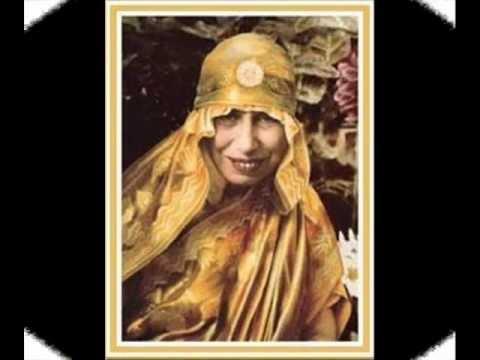 Aurobindo Mother song - Vellai Rojavae Nam Annai .wmv