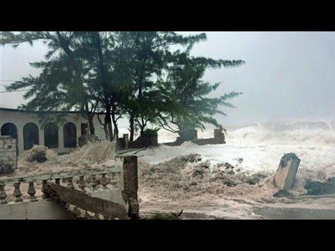 Agra m toofan(hurricane) ka kahar