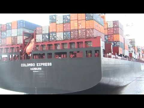 "MS ""Colombo Express"" (Hapag Lloyd / 8750 TEU) am CTA"