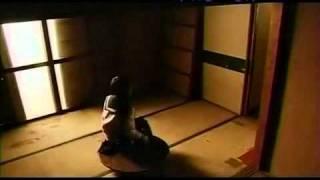 TV系列怪談新耳袋-百物語第109話『空屋』 (出演:宮武美桜、松山メアリ...