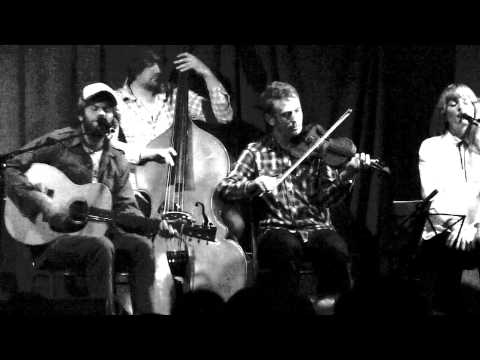 Neil Halstead - Bad drugs and minor chords (live at Bush Hall)