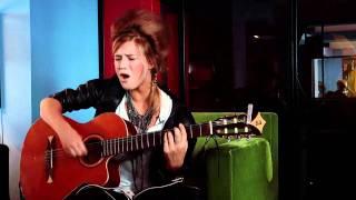 Selah Sue - Appletree - Cover of Erykah Badu (Acoustic Session)