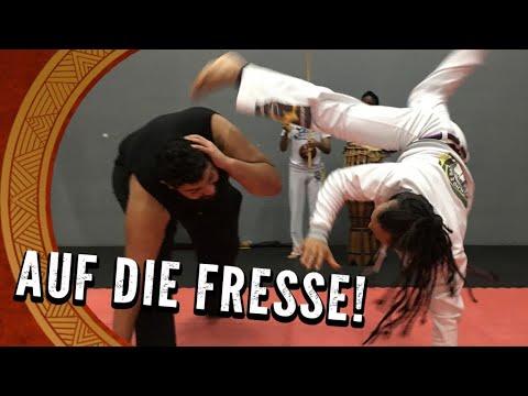Kick it like Faisal! Hartes Capoeira Training - Faisal Kawusi