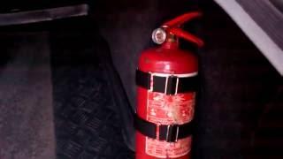 Крепление огнетушителя авто