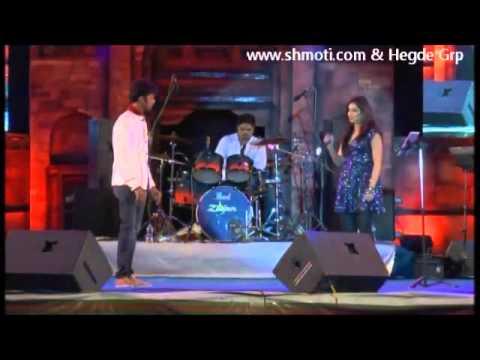 Saans Mein Teri sung by Shreya Ghoshal Live at Dharwad Utsav 2013 Dec15