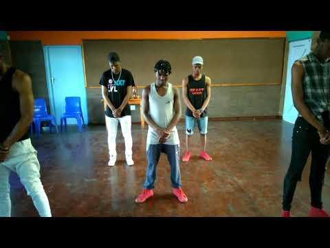 Bhutiza dance challenge #Mobi_Dixon