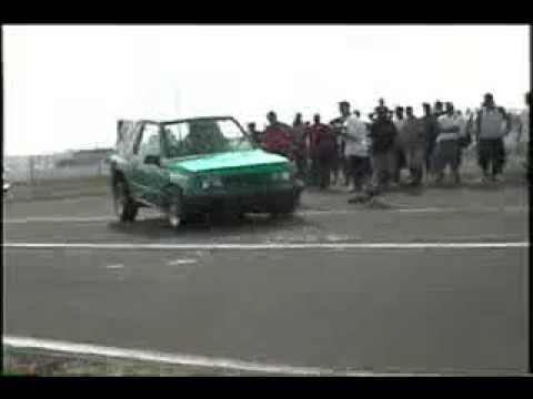 tracker-hopping-@-lowrider-show-hydraulic-dance-competition