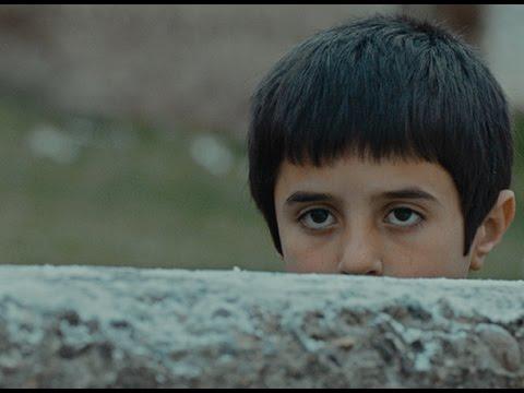 主演の子の目力、ハンパないです!映画『シーヴァス 王子さまになりたかった少年と負け犬だった闘犬の物語』予告編