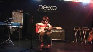 ギター習ってます。2011年12月18日の発表会ライブです。アンディモリが...
