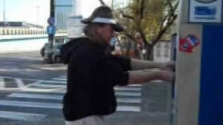 Rozbił parkometr(Absurdalne Formy Emisji Radości Audiowizualnej w skrócie AFERA przedstawiają film