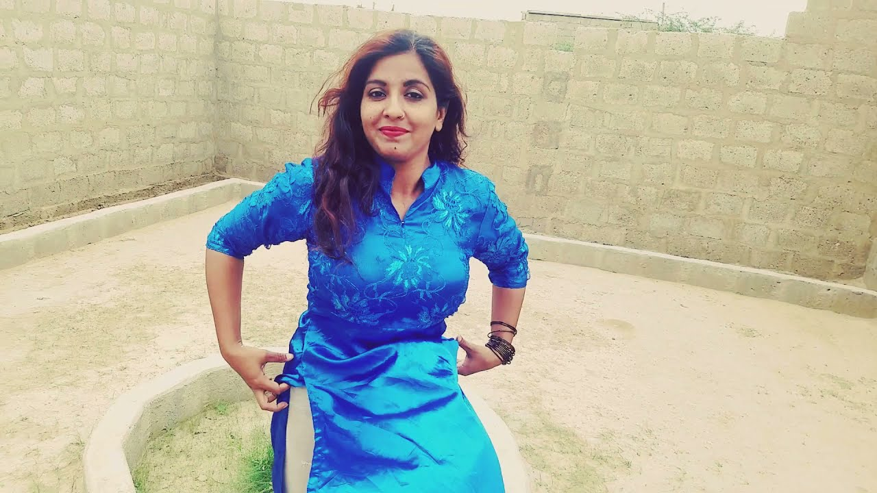 My husband making my video with new style || Noreen bhabi || Noreens village || wow Karachi ||