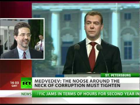 Medvedev plans to kick the government out of Moscow!