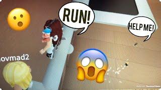 ARI RUN RUN! -Roblox nascondino estremo (ft unicorno Ariii Playz Roblox)