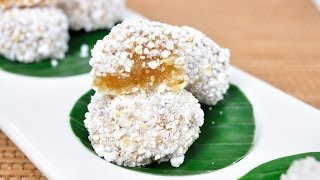 Thai Dessert -  Popped Rice (kanom Kao Tok Tang)